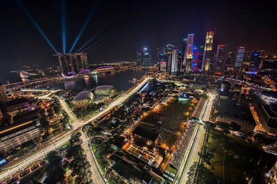 The Formula One course through Singapore at night