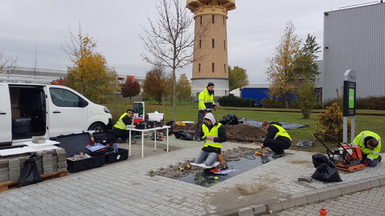 Installing solar paving tiles at Prologis Park Budapest-Harbor